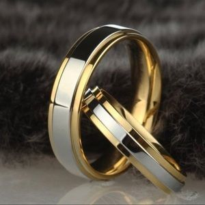 Jewelry - 18K Gold Wedding Band 6mm thick